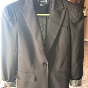 Like new Black fitted blazer